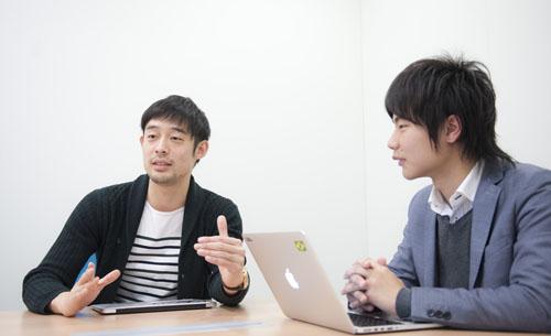 株式会社キュービックホールディングス 代表取締役 CEO 世一英仁氏(左)、同社アドストラテジーディビジョン ディレクター 小川正隆氏(右)