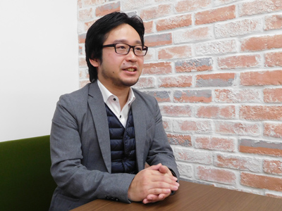 岡崎良徳さん